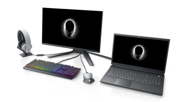 1589301015_alienware_m17_r3_in_lunar_light_and_alienware_background_monitor_desk_setup