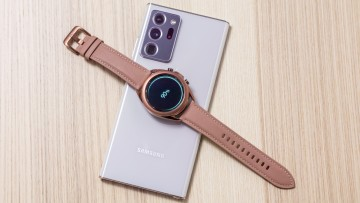 1598019220_10_powershare_galaxynote20ultra_watch3_lifestyle_image