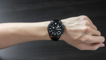 1598019390_06_galaxywatch3_lifestyle_image