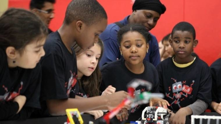 Children working on an engineering project