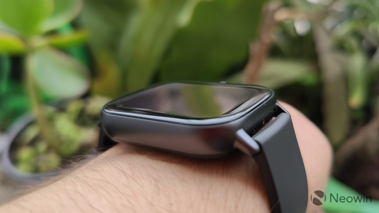 Left-side view of the Amazfit GTS 2e on a wrist