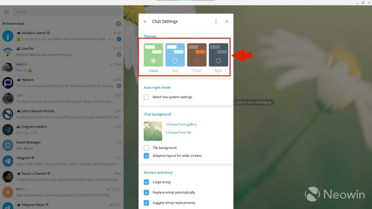Arrow pointing to the theme selection in Telegram Desktop
