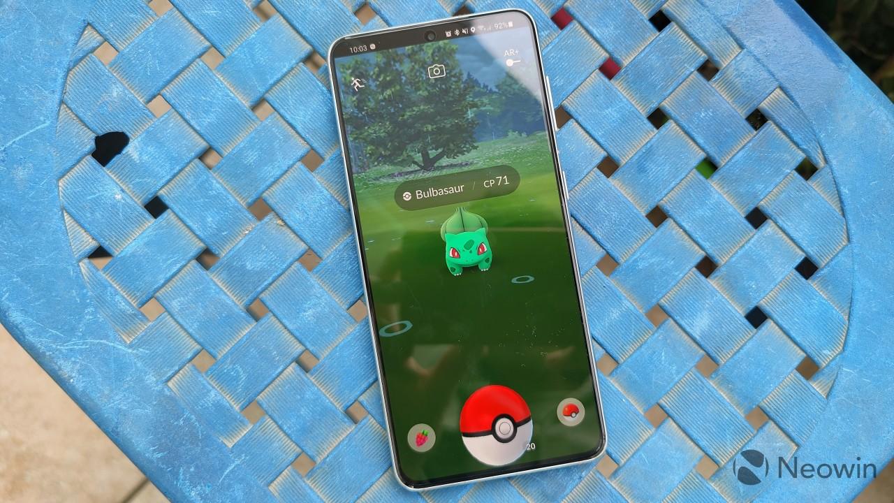Pokémon GO running on the Galaxy S21