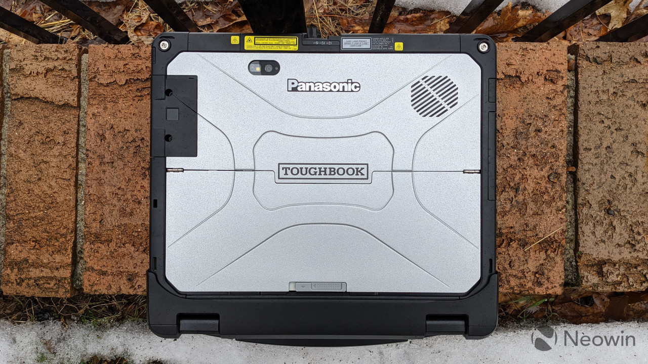 Panasonic TOUGHBOOK 33 on bricks