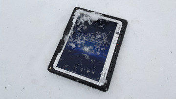 Panasonic TOUGHBOOK 33 display covered in snow