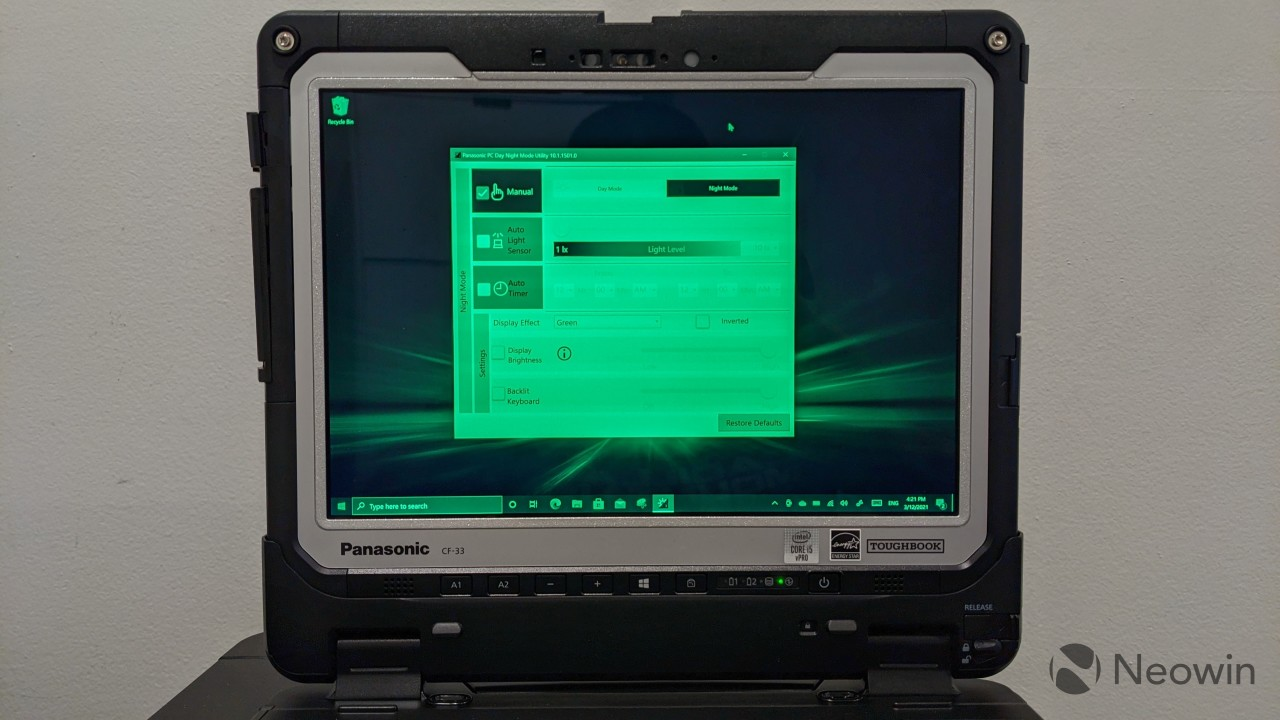 Panasonic TOUGHBOOK 33 screen with green night mode