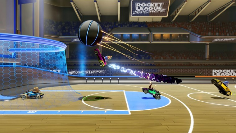 Rocket League Sideswipe screenshot during a Hoops match