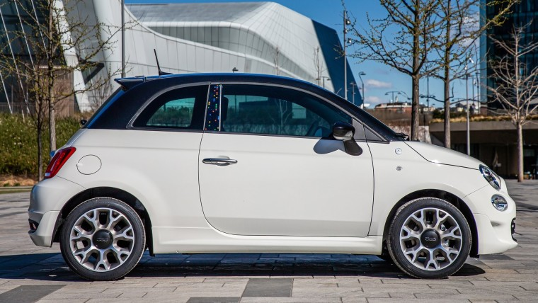 Left-side view of the Fiat 500 Hey Google edition