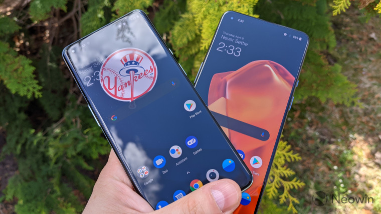 OnePlus 9 and OnePlus 9 Pro with displays on