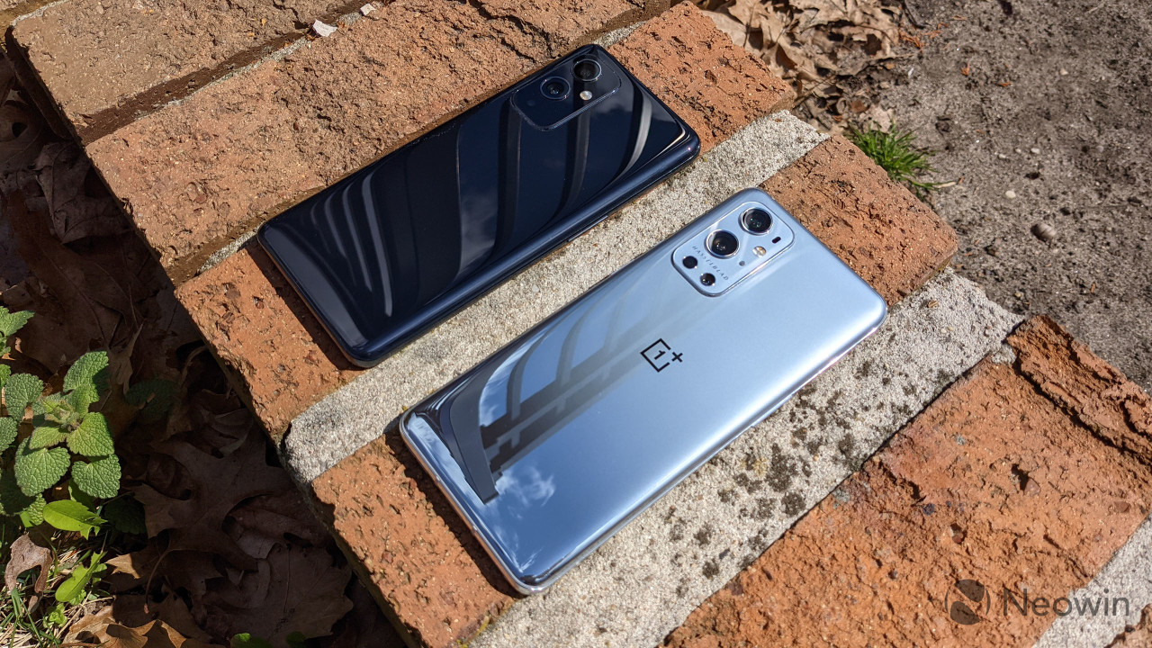 Angled view of OnePlus 9 and OnePlus 9 Pro