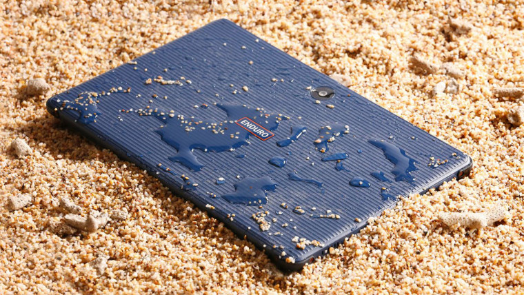 Acer ENDURO Urban T1 wet and on sand
