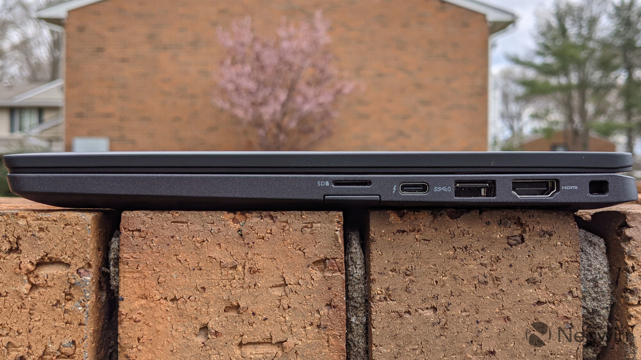Right side view of Latitude 7320
