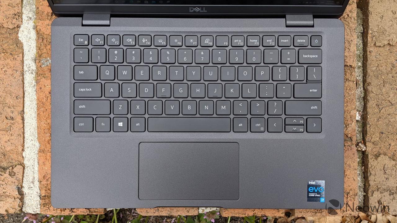 Top-down view of Latitude 7320 keyboard