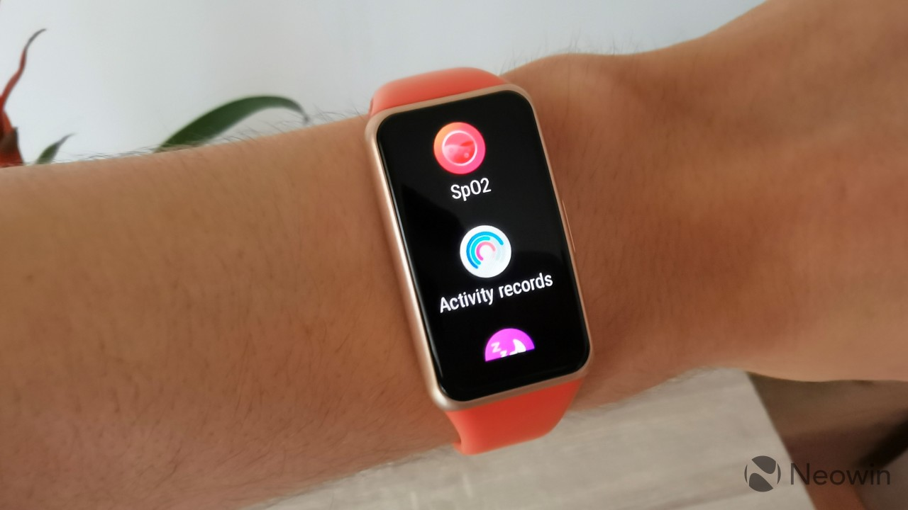 The apps list on the Huawei Band 6 displaying SpO2 Activity Records and Sleep