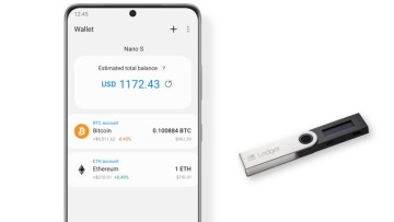 A Samsung Galaxy phone sung the Smasung Blockchain Wallet app to manage a hardware wallet