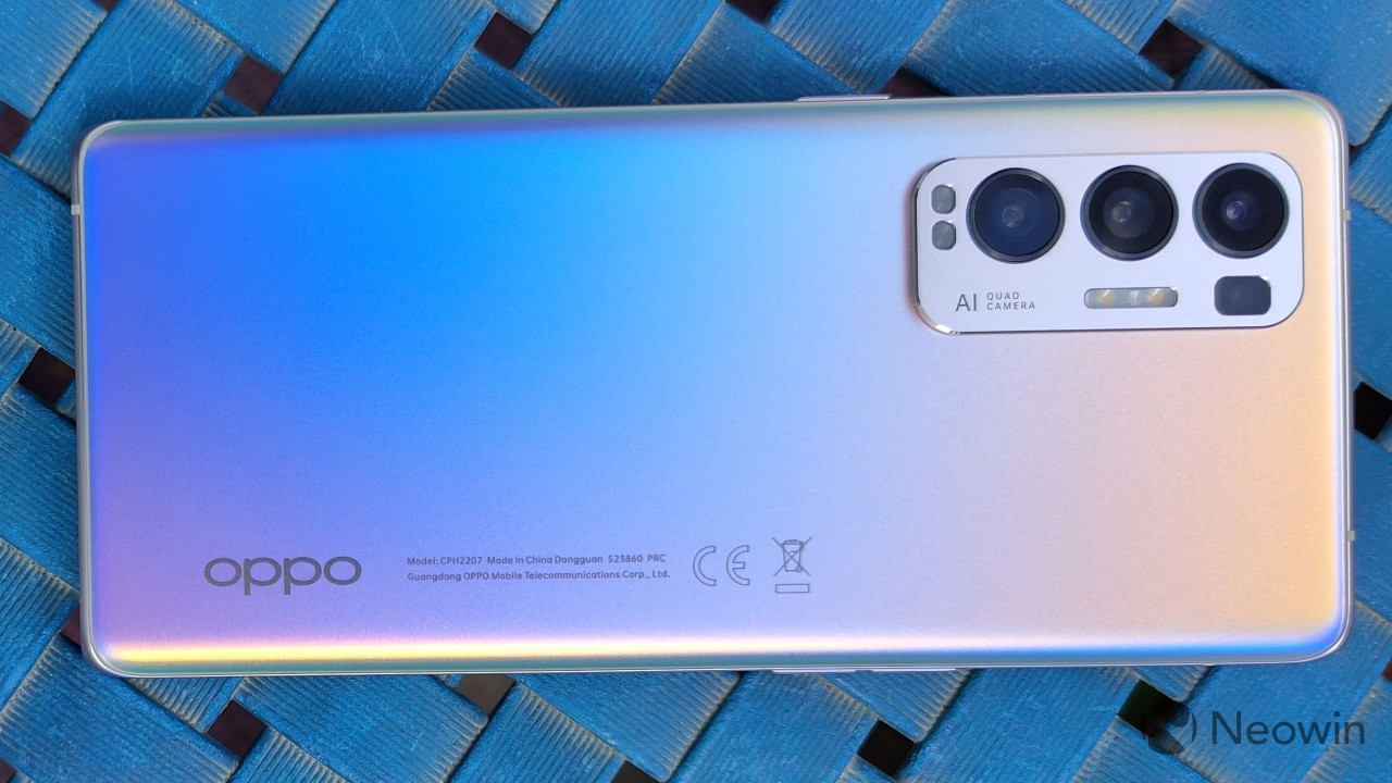 Top-down view of the OPPO Find X3 Neo in landscape orientation