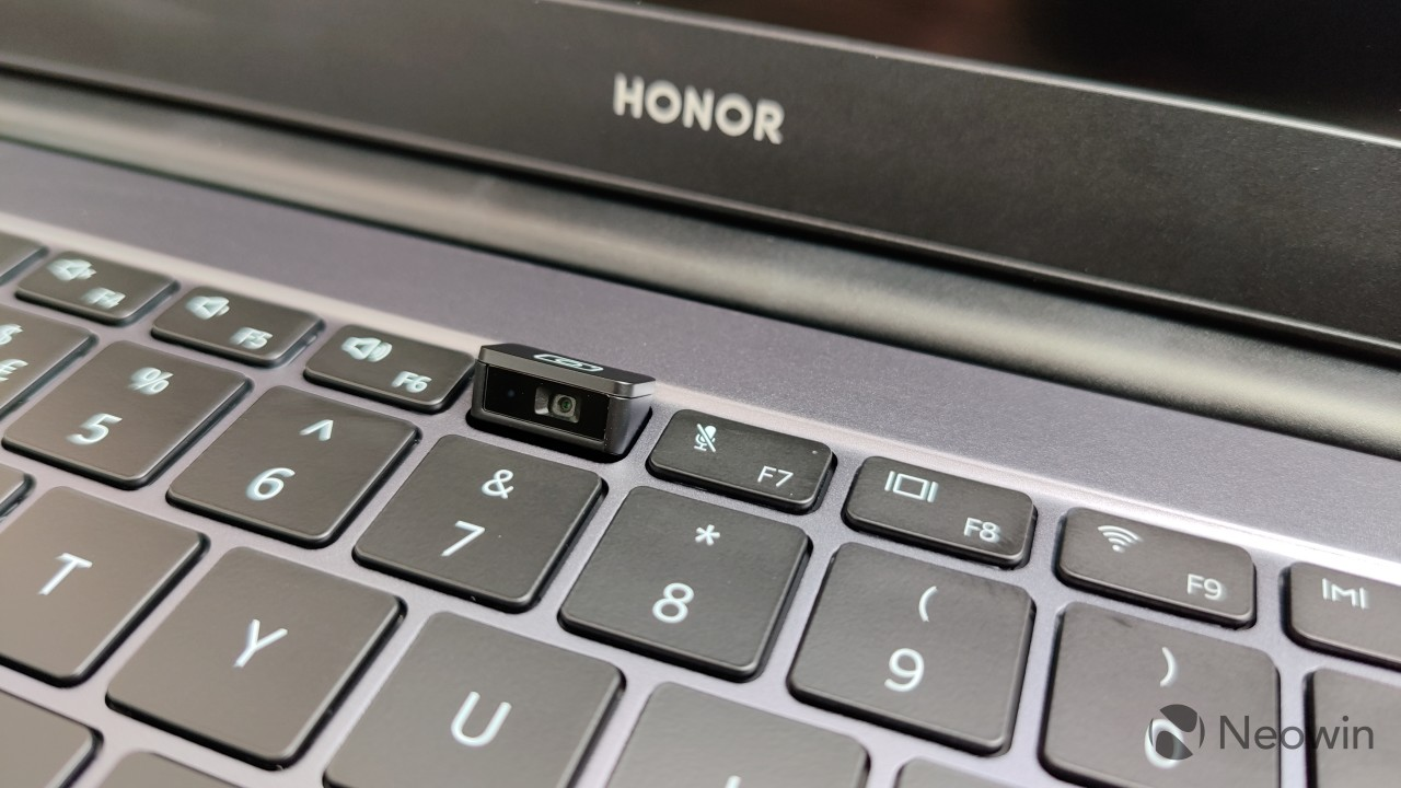 The webcam in the keyboard of the Honor MagicBook 14