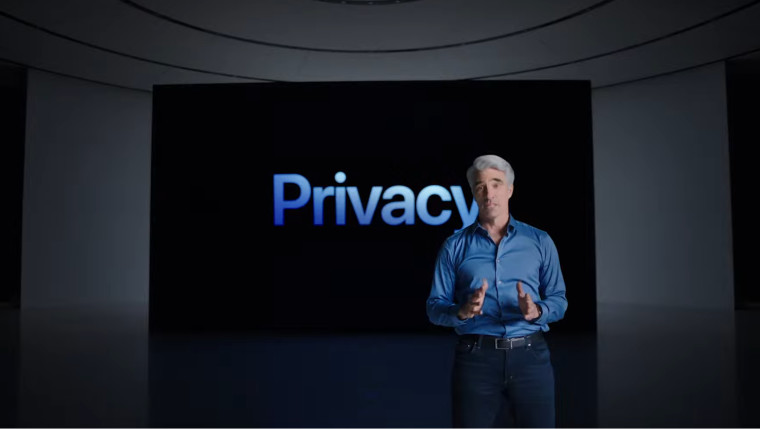 Picture of Craig Federighi at WWDC 2021