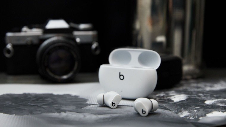 Apple Beats Studio Buds lifestyle image