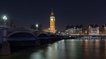 Westminster Bridge and Big Ben at night