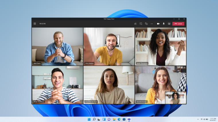 Microsoft Teams video meeting with 7 faces on Windows 11 build 22000132