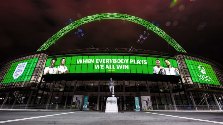 FA and Xbox partnership on stadium screens