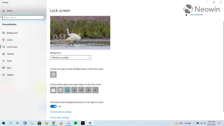 A screenshot of the Windows 10 lock screen settings