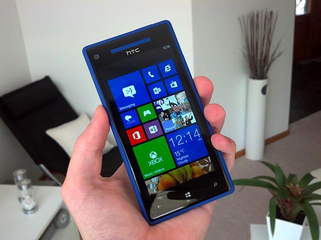 Random Rebooting on Windows Phone 8-Units