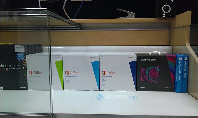 3_office2013_retailboxwm The top 10 Microsoft news stories of 2013