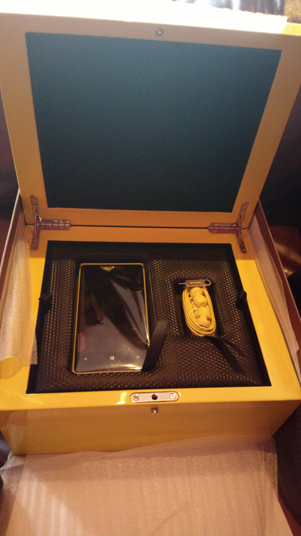 http://www.neowin.net/images/uploaded/lumia-920-ltdedt-box.jpg
