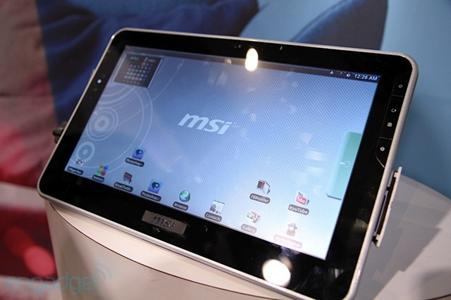 msi-tablet03-hands