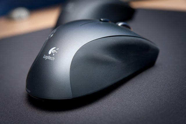 b098aed013f ... (MX Revolution before that, MX 1000 before that, AND briefly a Razer  Mamba user) I've always wondered when Logitech would out a wireless gaming  mouse ...