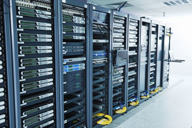 Microsoft apple looking to set up data centers in the for Data center setup