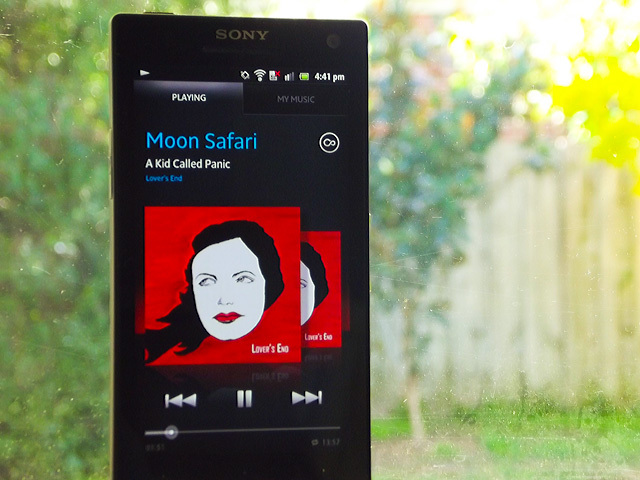 how to play music through xperia z1 speaker
